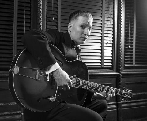 Glenn Crytzer / Musician Portrait by Tom Moore